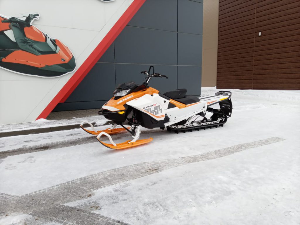 CНЕГОХОД SKI-DOO SUMMIT X 850 154 (с пробегом)