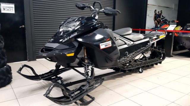 СНЕГОХОД SKI-DOO SUMMIT 850E-TEC TURBO 165″ С ПРОБЕГОМ 320 КМ